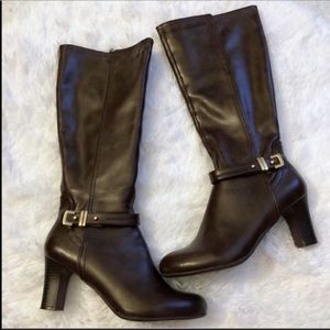 KELLY & KATIE Brown Heeled Boots w/ Gold Hardware